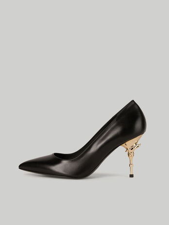 Leather pumps with dagger heel