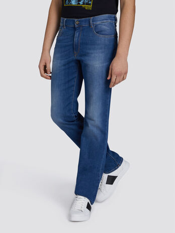 Jean 380 icon basic en denim a coutures contrastantes