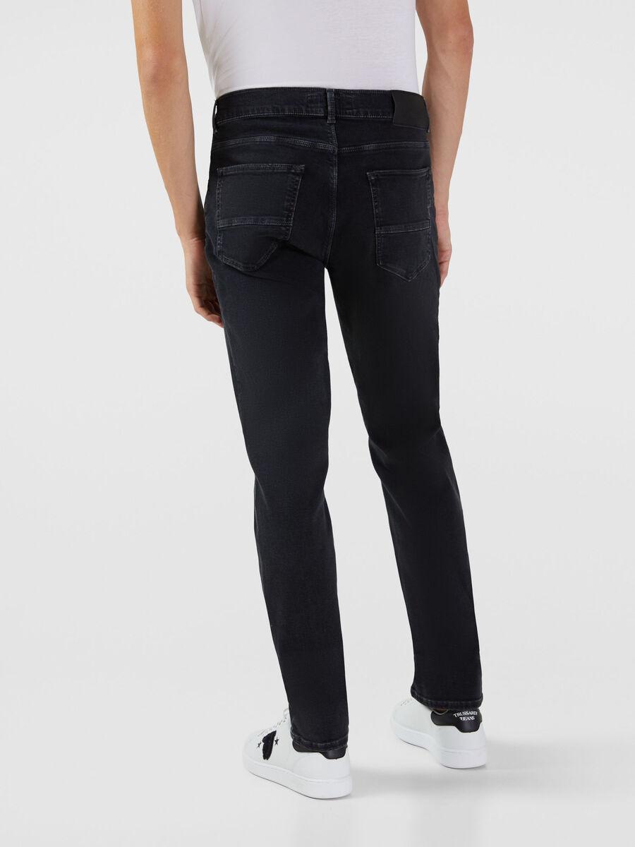 Jeans 370 Close aus elastischem Diego Denim