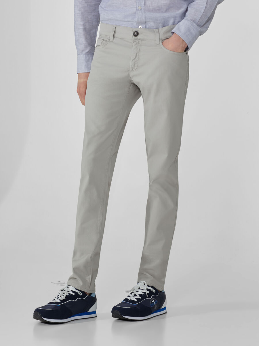 Close 370 trousers in textured fabric