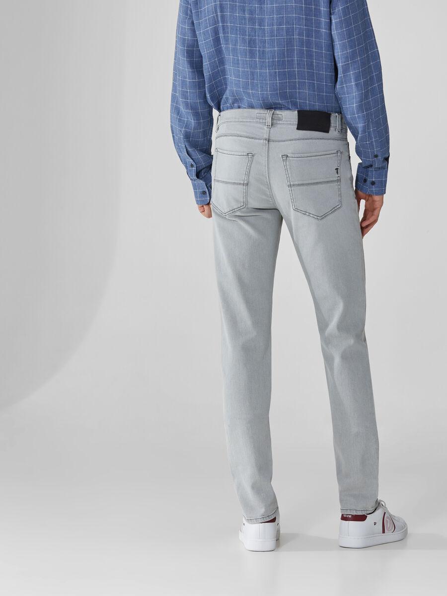 Close 370 jeans in grey Snow denim