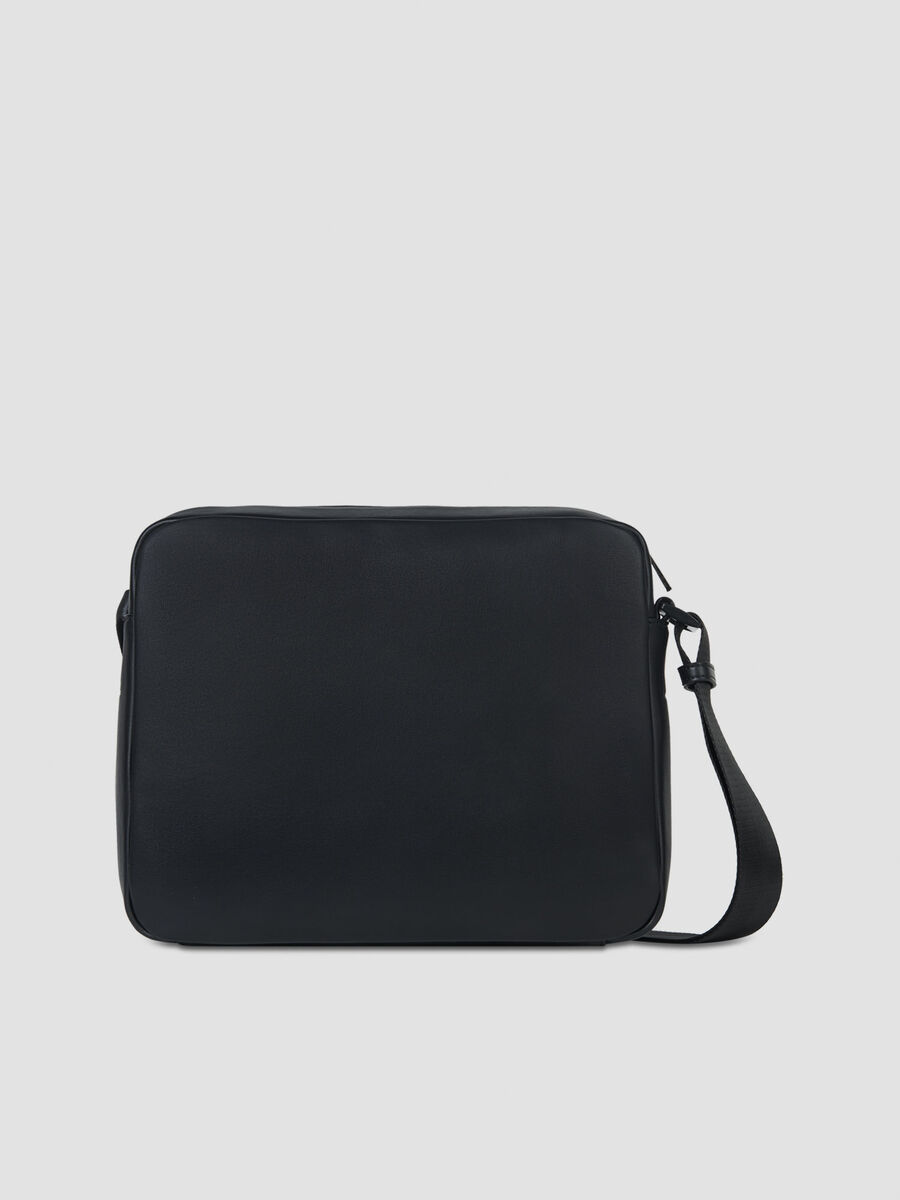 Courmayeur messenger bag in smooth faux leather