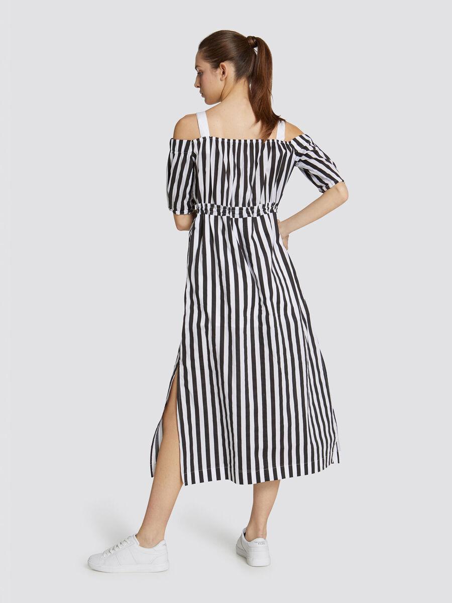 Vestido largo de corte regular de algodon a rayas