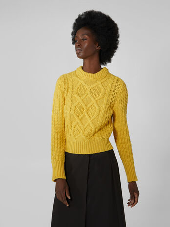 Cable knit crew neck wool pullover