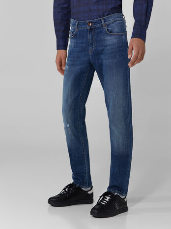 Jeans 370 Close aus Baumwolldenim