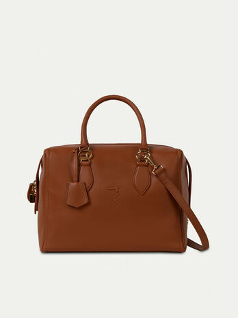 Medium smooth leather trunk bag