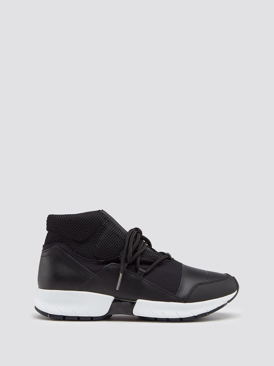 Neoprene running sneakers with laces