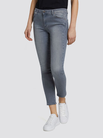 Super Seasonal 206 jeans in faded denim