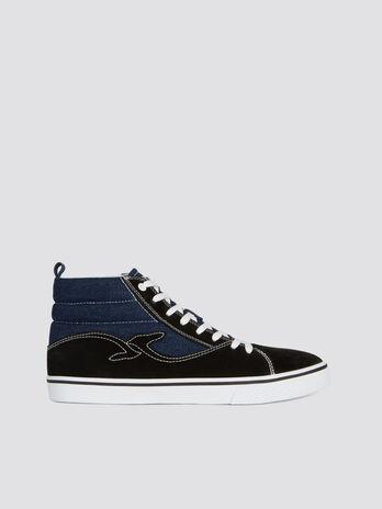 Sneakers montantes en denim et cuir bicolore a logo