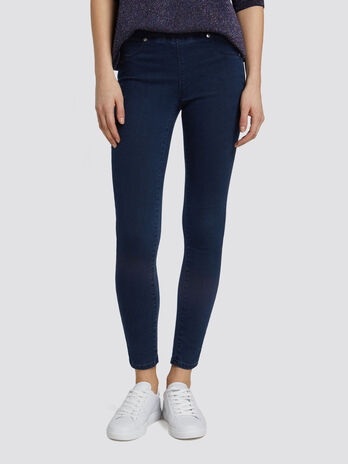 Seasonal blue washed denim jeggings