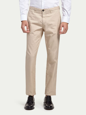 Stretch gabardine chinos