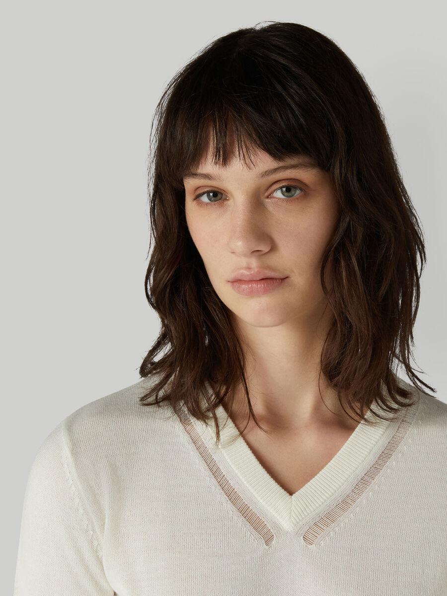Pullover regular fit in mista lana con scollo a V
