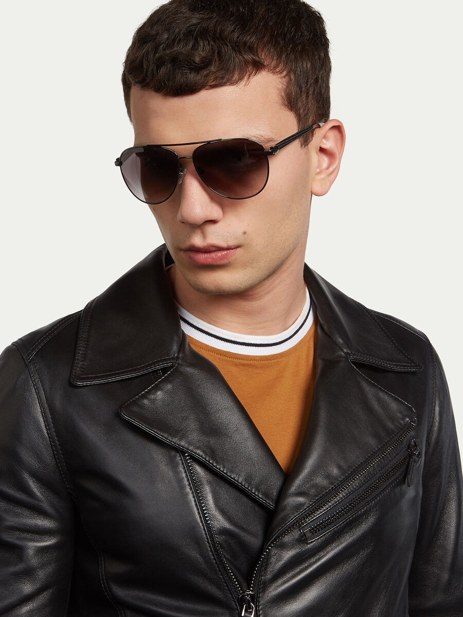Aviator sunglasses with striped temples