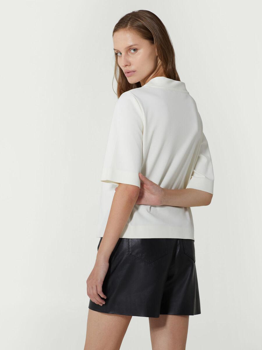 T-shirt regular fit in cotone con logo ricamato