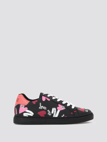 Sneakers with heart and belt print