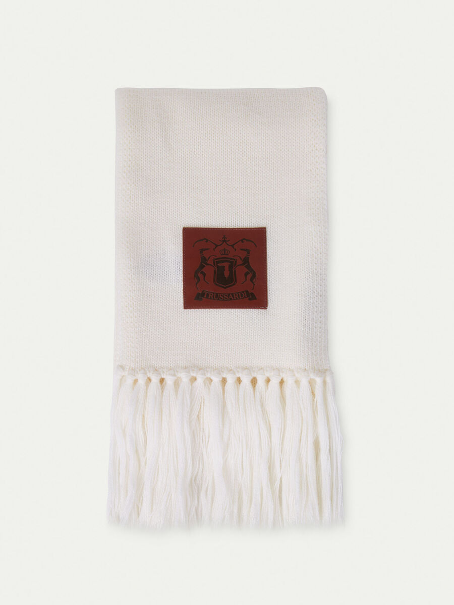 Fringed wool scarf with branded patch
