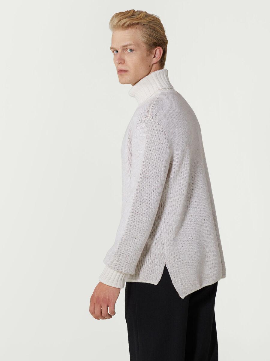 Pullover a collo alto in lana e mohair jacquard
