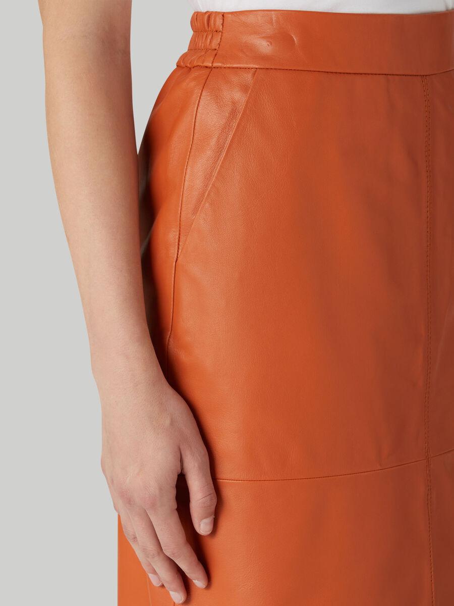 Falda lapiz de piel suave