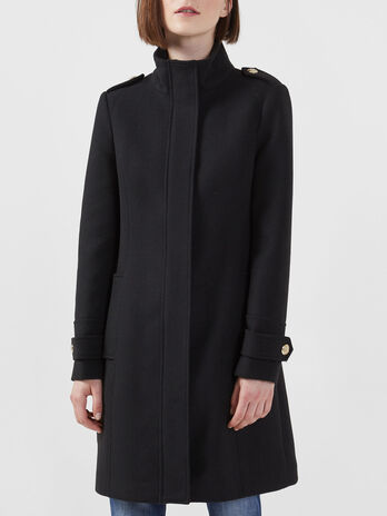 Fabric coat with zip