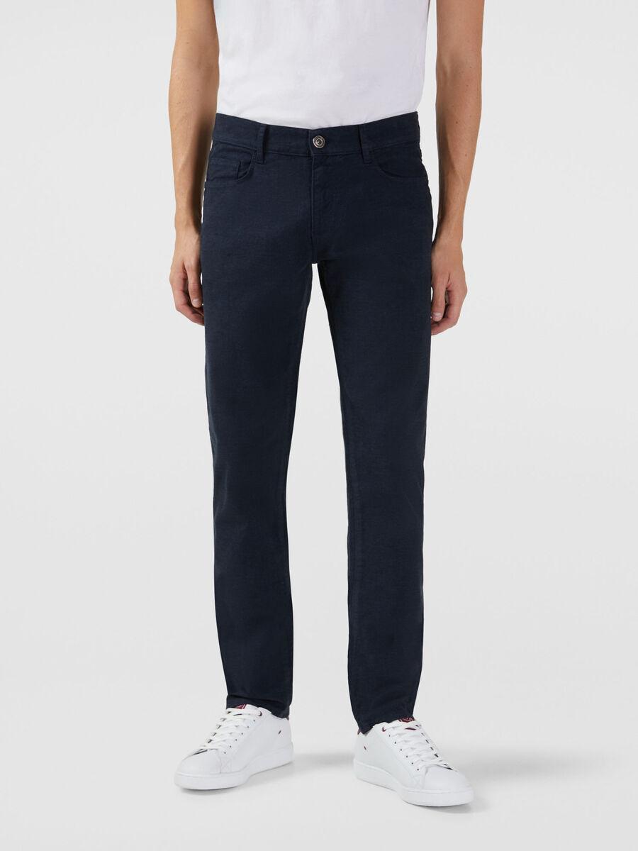 Jeans 370 Close aus Baumwollgabardine