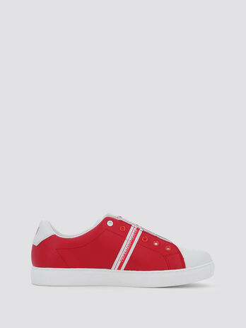 Slip ons with branded band details