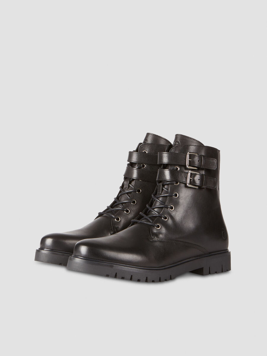 Smooth leather combat boots with buckles