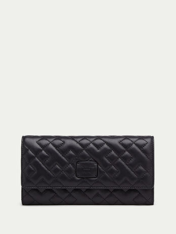 Quilted nappa continental purse