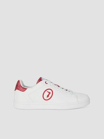 Sneaker aus Kunstleder mit Glitzer und Logo