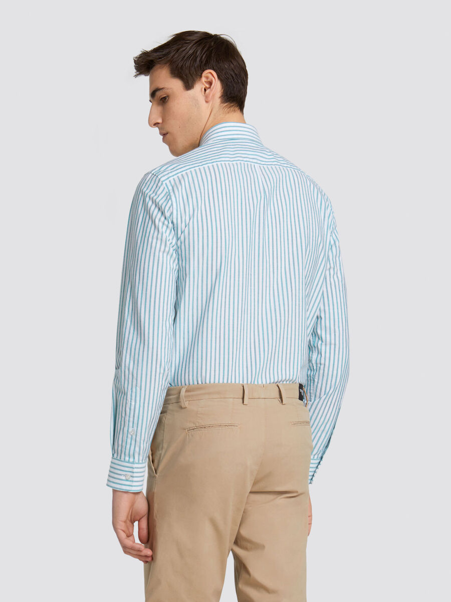 Outside fit shirt with large striped pattern