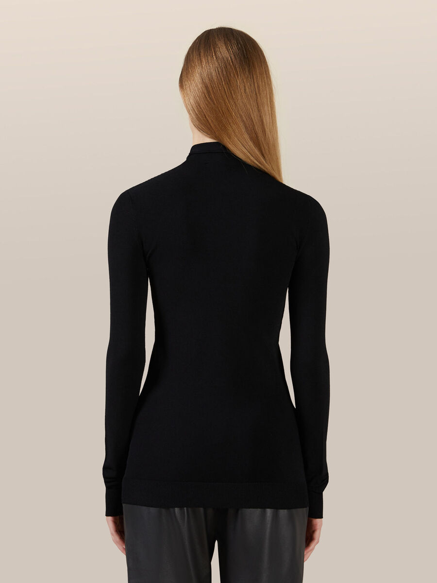 Slim fit high neck top in stretch viscose