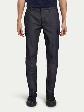 Solid colour cargo fit jeans with side pockets