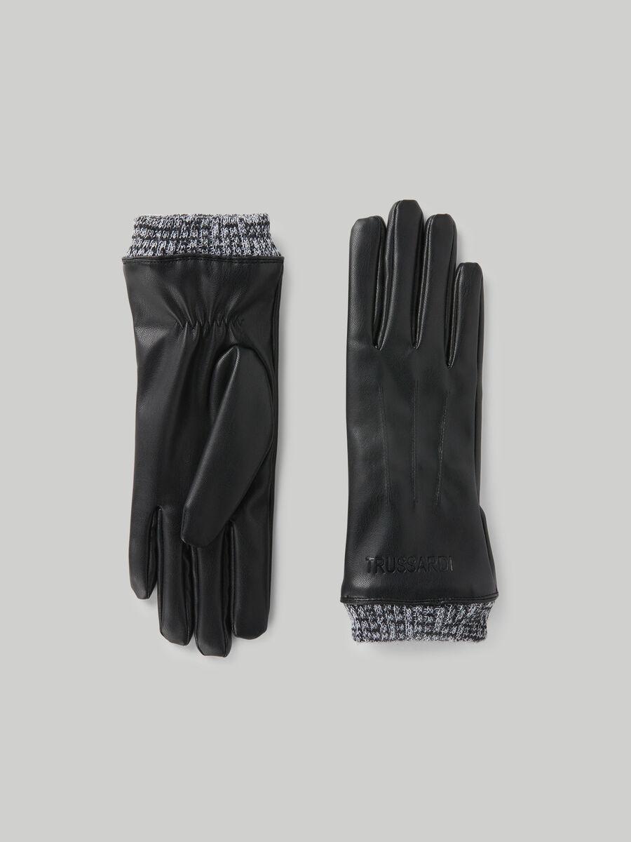 Handschuhe aus Kunstleder und Strick