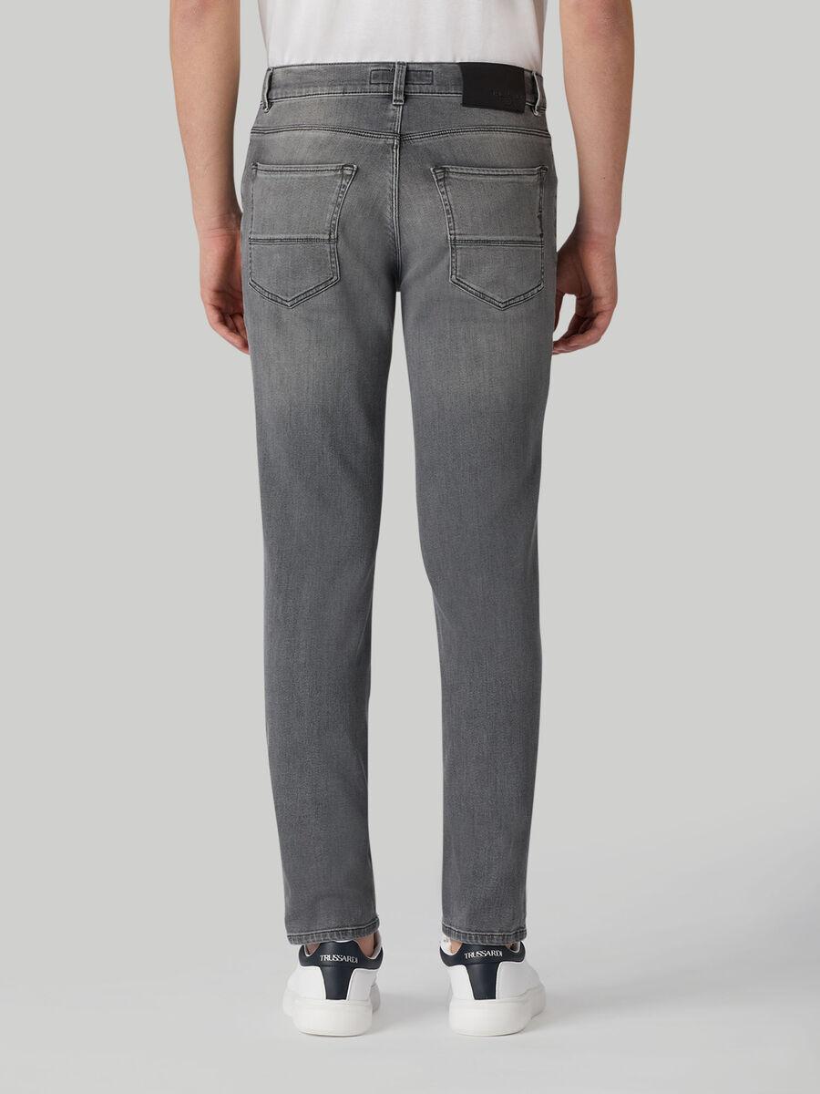 Jeans 370 Close aus-Denim