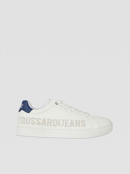 Sneaker in similpelle con logo traforato