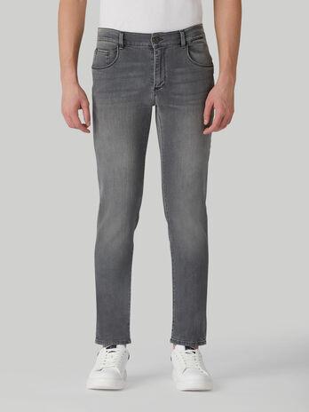Close 370 jeans