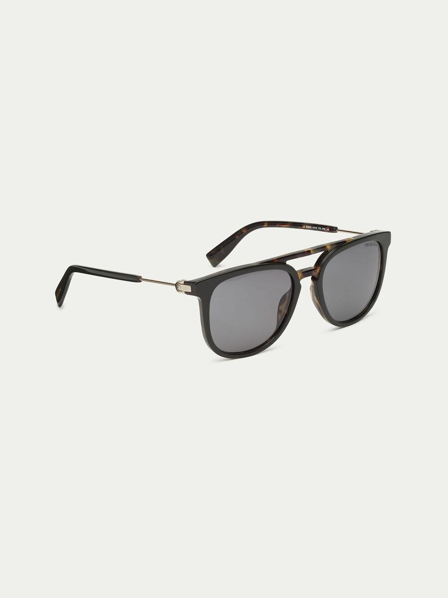 Sonnenbrille mit Details in Schildpatt Optik