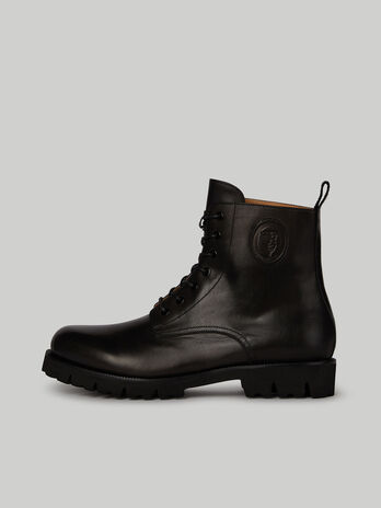 Solid-colour leather combat boots