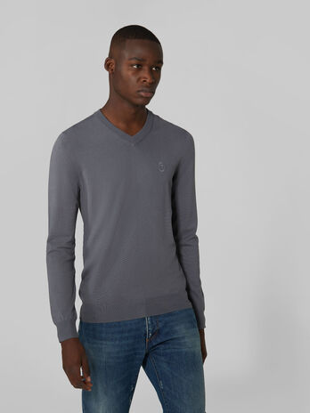 Slim fit stretch viscose V neck pullover