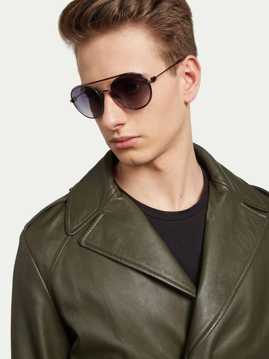Aviator sunglasses with round lenses