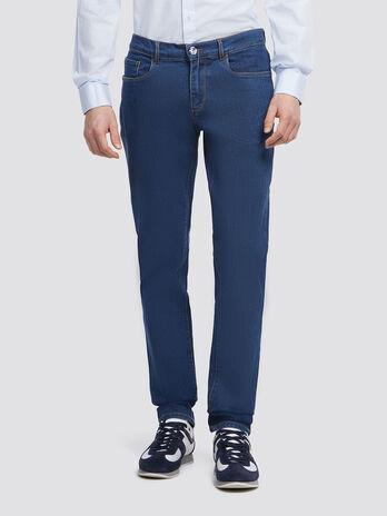 Jeans super stone washed mit gesticktem Logo