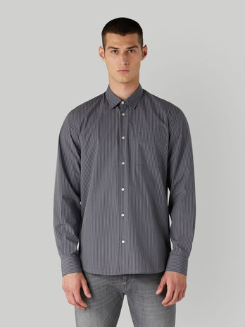 Camisa de algodon a rayas con bolsillito