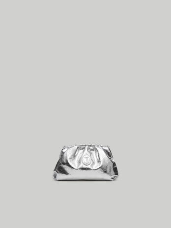 Small T79 clutch in monochrome nappa