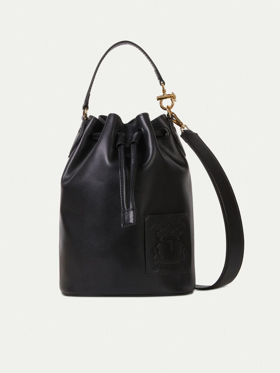 Bucket bag in pelle con patch logato