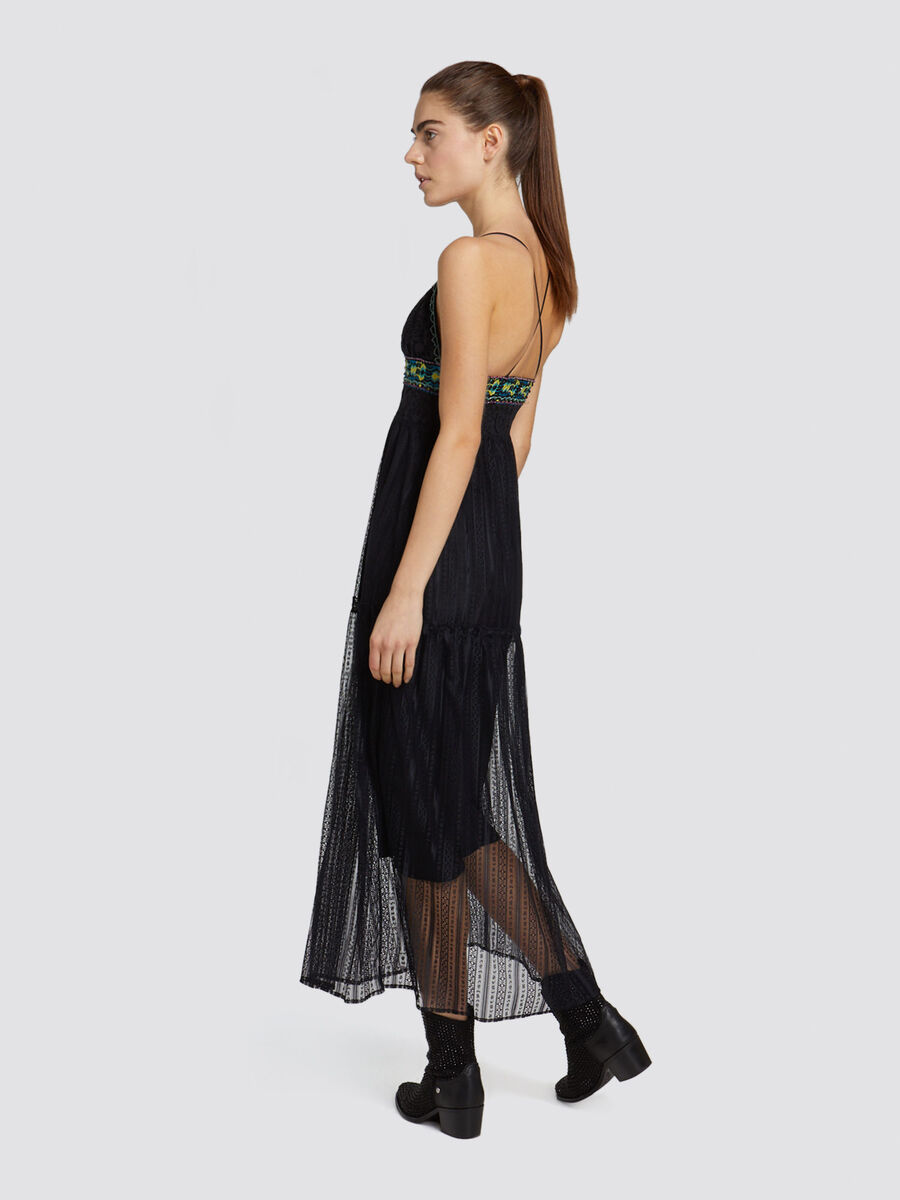 Long slim fit lace dress with embroidery