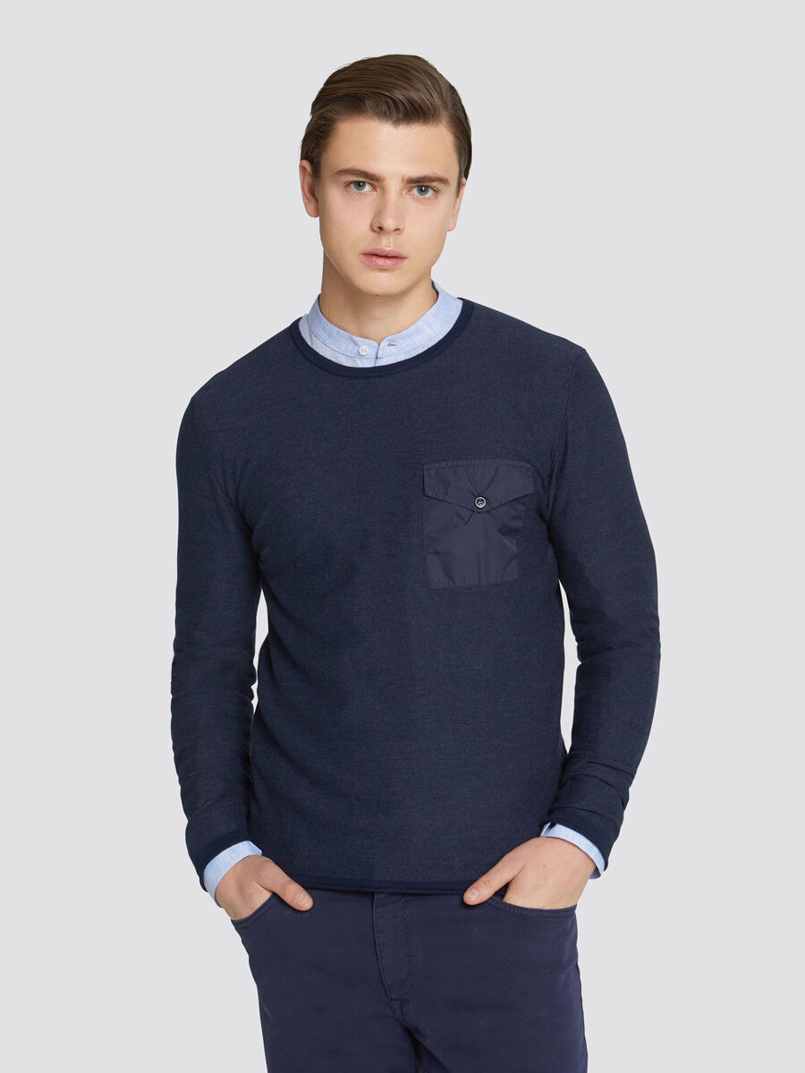 Slim fit cotton pullover with breast pocket