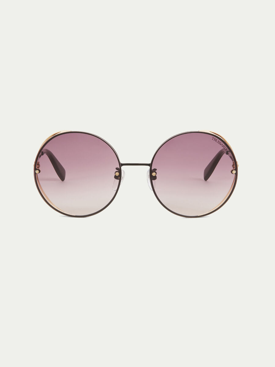 Metal sunglasses with tinted lenses