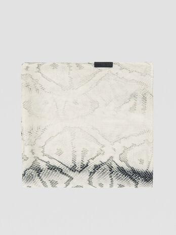 Halstuch aus Modal mit Python-Print