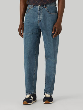 80s loose-fit jeans