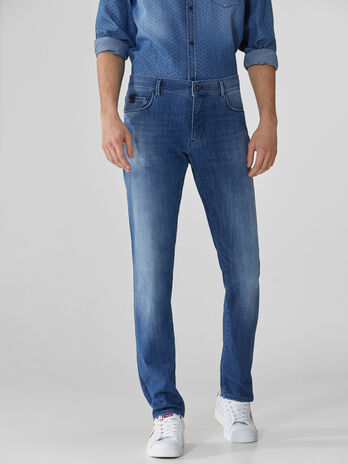 Vaqueros 370 Close en denim Soft Power elastico