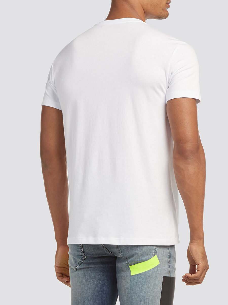 Solid colour T-shirt with round neck and lettering